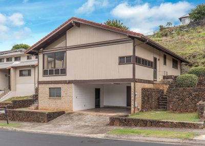 House for sale in Aiea Heights with large lot