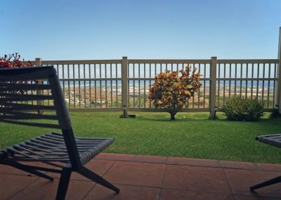 Enclosed yard with panoramic ocean views at Makakilo town house for sale